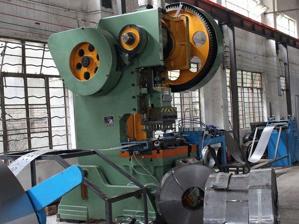 重型优德88官方立柱冲孔机