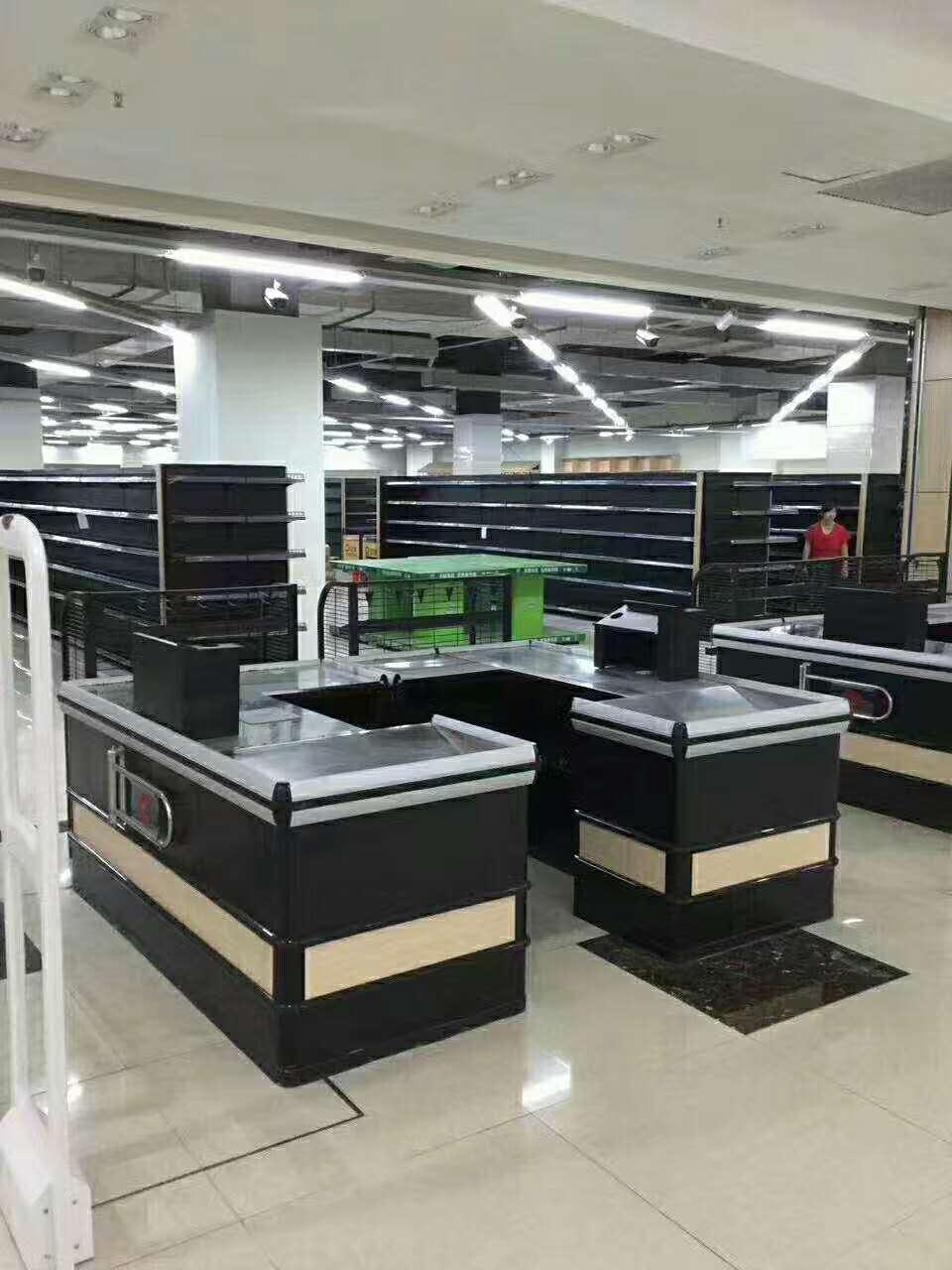 江苏常熟优德88官方厂家超市木制品优德88官方最常见的两种